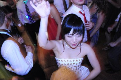 bride-dancing-debbie